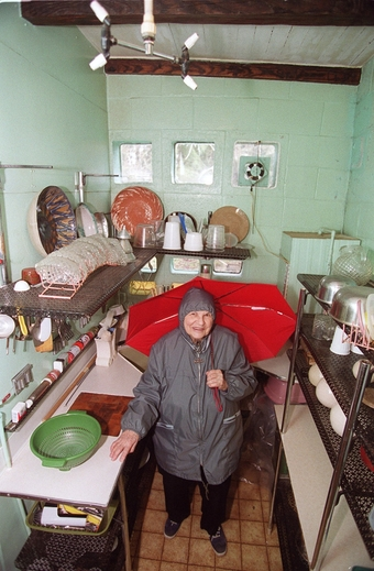 Frances Gabe put the kitchen of her self-cleaning house through its paces in 2002.