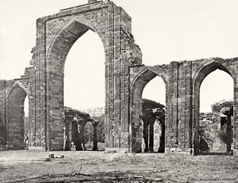 The Masjid-i-Kutb-ul-Islam [Quwwat-ul-Islam Mosque]. View of the Great Arches.