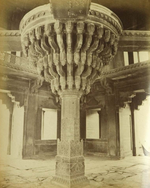 Figure 10. John Edward Sache, Fatehpur Sikri, Pillar in the Diwan-i-Khas, negative 361, albumen print, 1868/69. The Alkazi Collection of Photography, New Delhi.