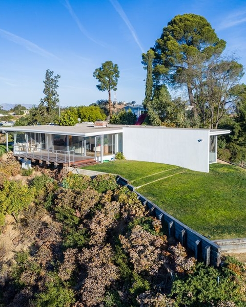 The home was built in 1956 for artists Josephine and Robert Chuey