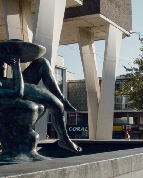 A statue in Basildon' City Center New Town Utopia