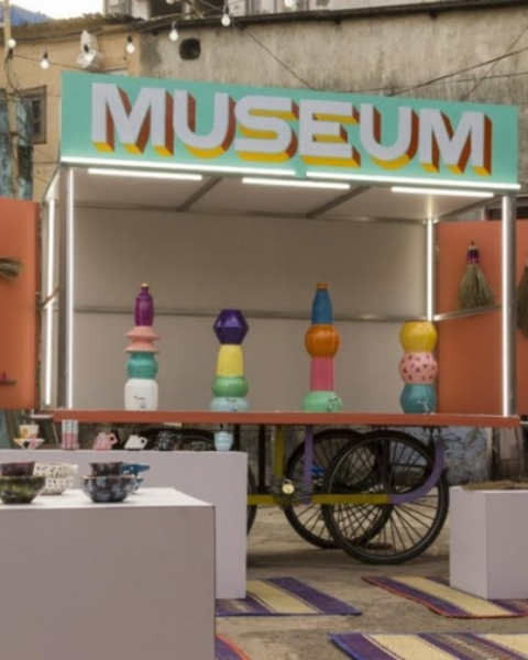 Design Museum Dharavi celebrates locally made crafts from a pushcart that can roll from one street to another.