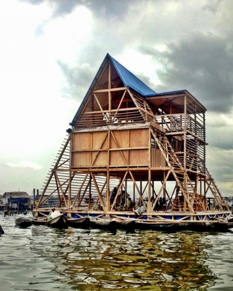 """NLE's """"floating school"""" in Lagos to cope with rising water levels"""
