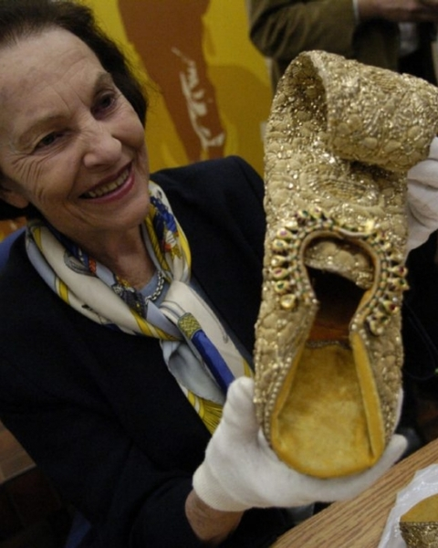In March 2006, Sonja Bata is reunited with shoes stolen in January of that year from the Bata Shoe Museum.