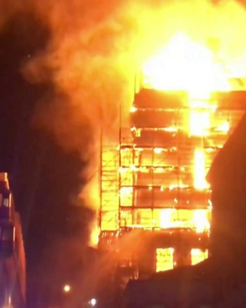 Footage from the scene in Glasgow city centre shows large flames ravaging the Mackintosh building