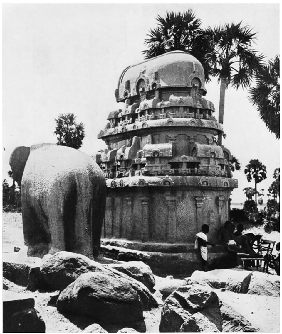 RATHA OF NAKULA AND SAHDEVA, MĀMALLAPURAM. Hasti-pṛṣṭha construction (cf. back of elephant on left): shows also pañjaras, and kapotas with kūḍus.