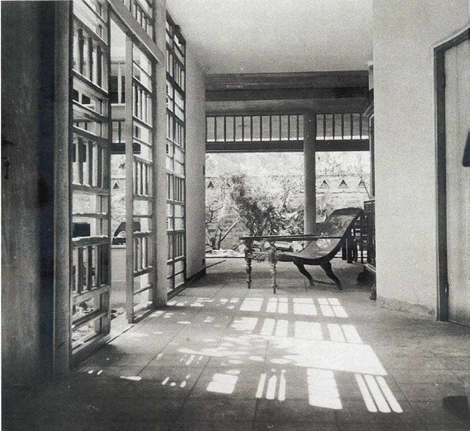 Figure 3. Living area, looking out to internal courtyard, Amerasinghe house.