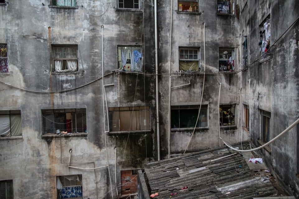 The Mauá Occupation in the centre of São Paulo used to be called the Hotel Santos Dumont. The building was abandoned after the hotel closed in the 1980s – now many families live precariously in the building.