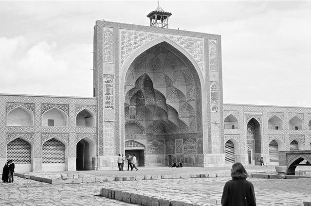 Utzon's photograph from Iran, 1959