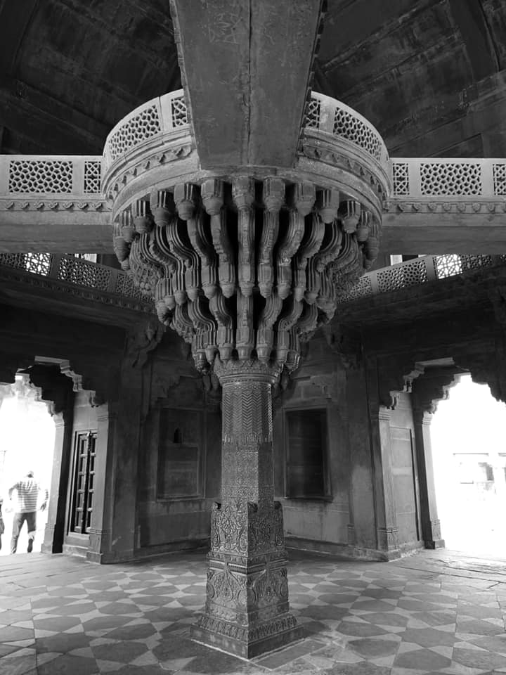 The abandoned capital complex of Fatehpur Sikri (16th Cen CE)