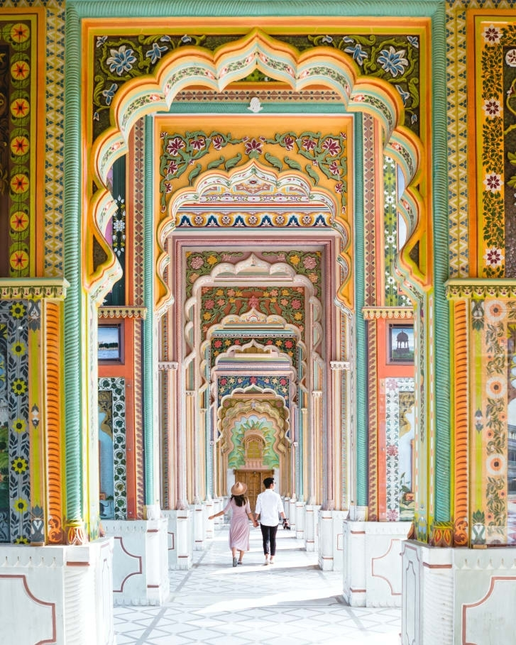 Buildings in Jaipur are made in a Rajasthani architecture style which combines Rajput and Mughal design techniques