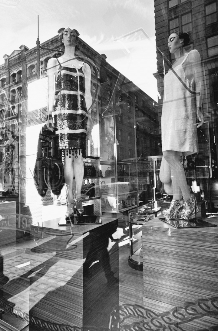 "Lee Friedlander, ""New York City"" (2011), gelatin silver print, 20 x 16 inches. Fraenkel Gallery, San Francisco"
