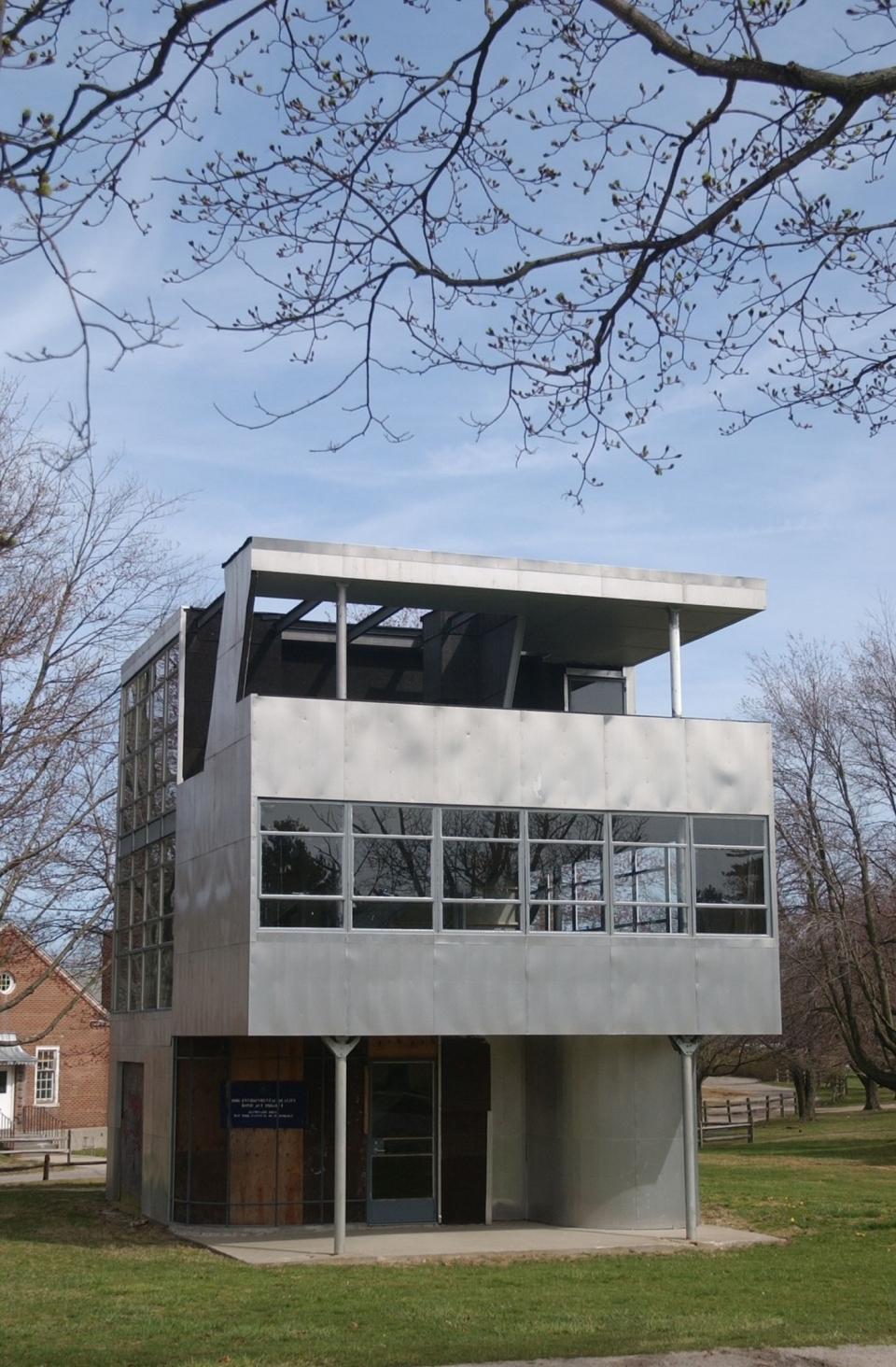 The Aluminaire House on its original site in Long Island, N.Y., 2002