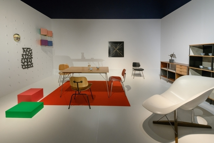 "Room set designed by Charles and Ray Eames in the ""For Modern Living"" exhibition at the DIA in 1949"